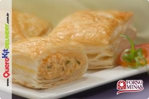 FORNO DE MINAS <b>FOLHADO FRANGO 40G</b> - PACOTE C/ 24 UNIDADES (960G)